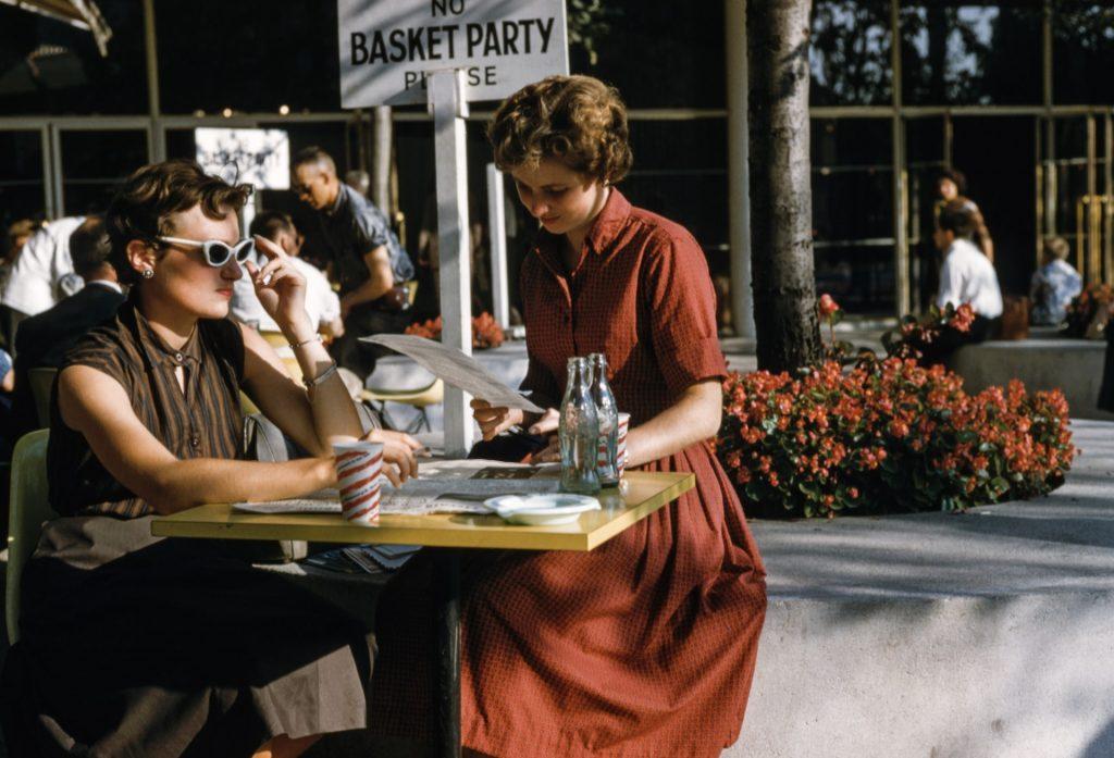 Do you like 50s Vintage dresses? Of course, you do